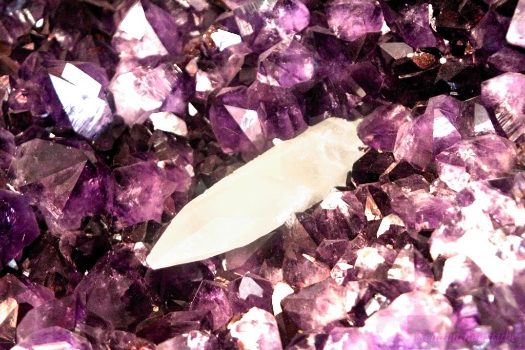 Amethyst mit Bergkristall