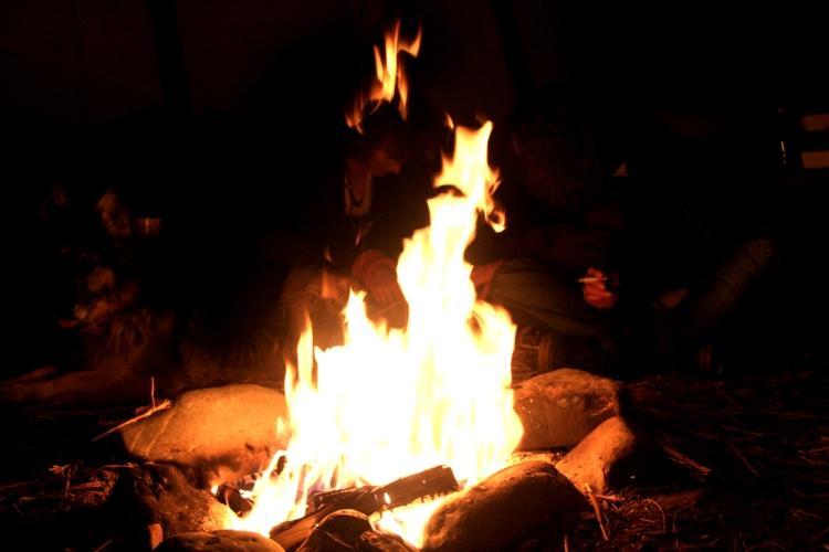 Farbenmeer springt durchs Feuer