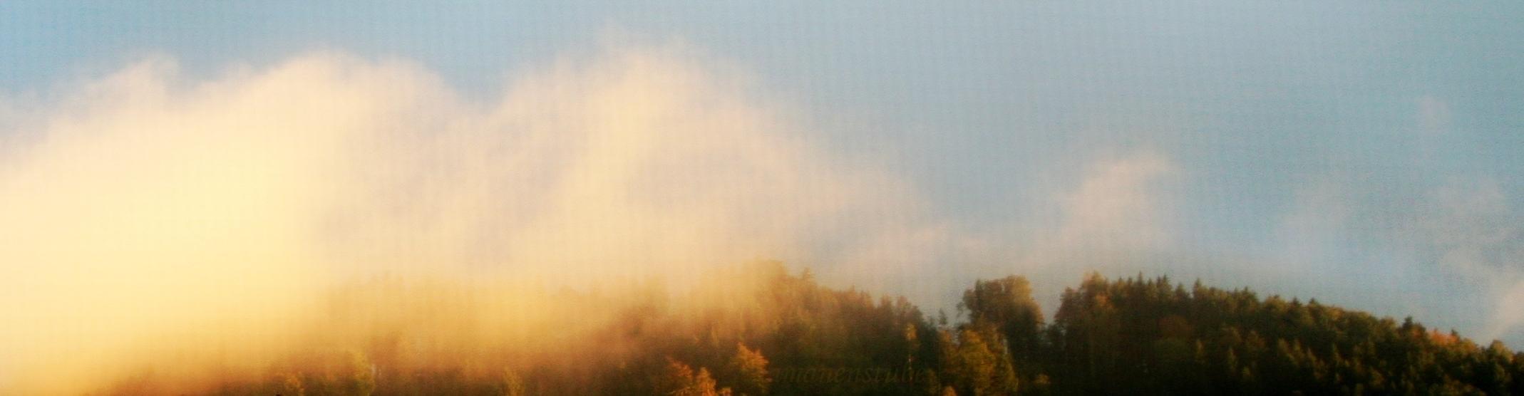 urtümliche Wolken