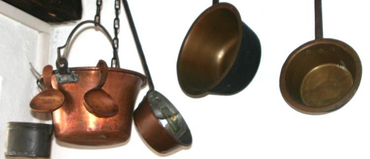 Kupfertöpfe