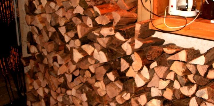 Schamanenstube Feuerholz