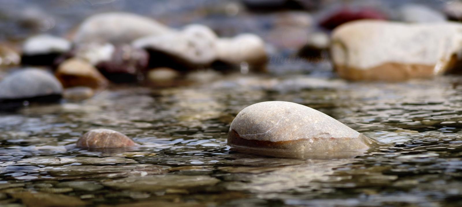 Fluss Stein