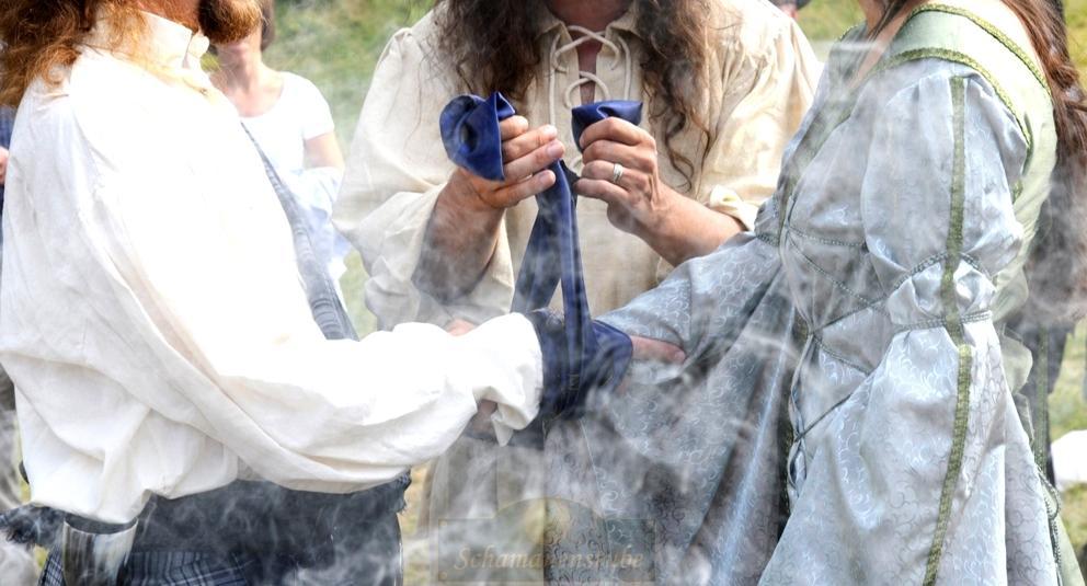 Schamanische Hochzeit Handfasting
