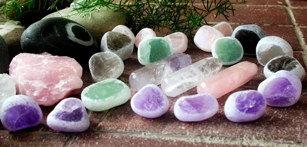 Farbkreis aus Steinen